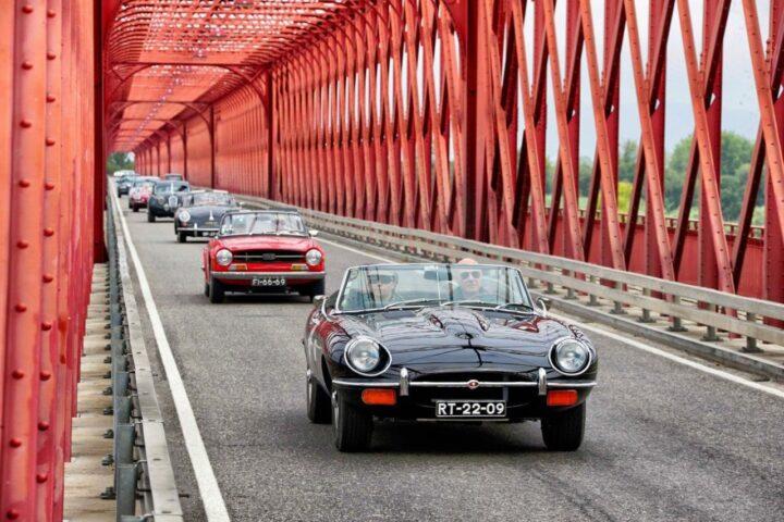 passeio de carros clássicos