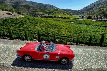 passeio de carros classicos em portugal e espanha